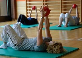 Занятие в спортзале, как профилактика остеохондроза.