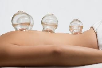 Помощь спине баночным массажем
