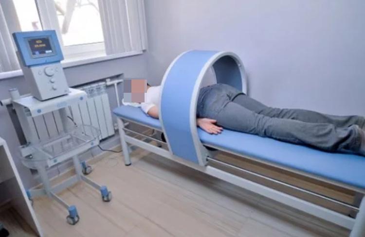 Сеанс магнитотерапии при остеохондрозе