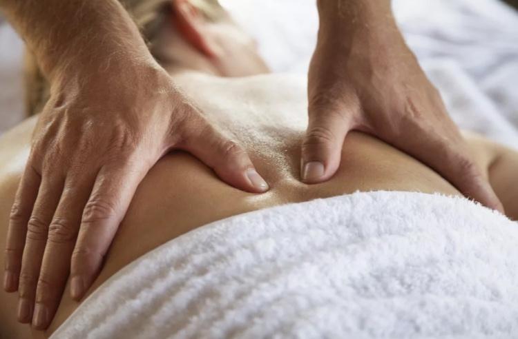Лечебный массаж при остеохондрозе позвоночника