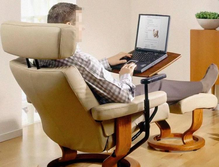 Как правильно сидеть за компьютером дома.