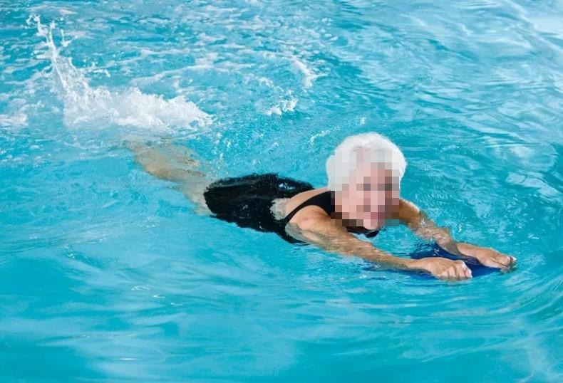 Занятия в бассейне.