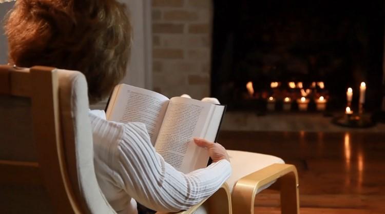 Правильно сидим при чтении книг.