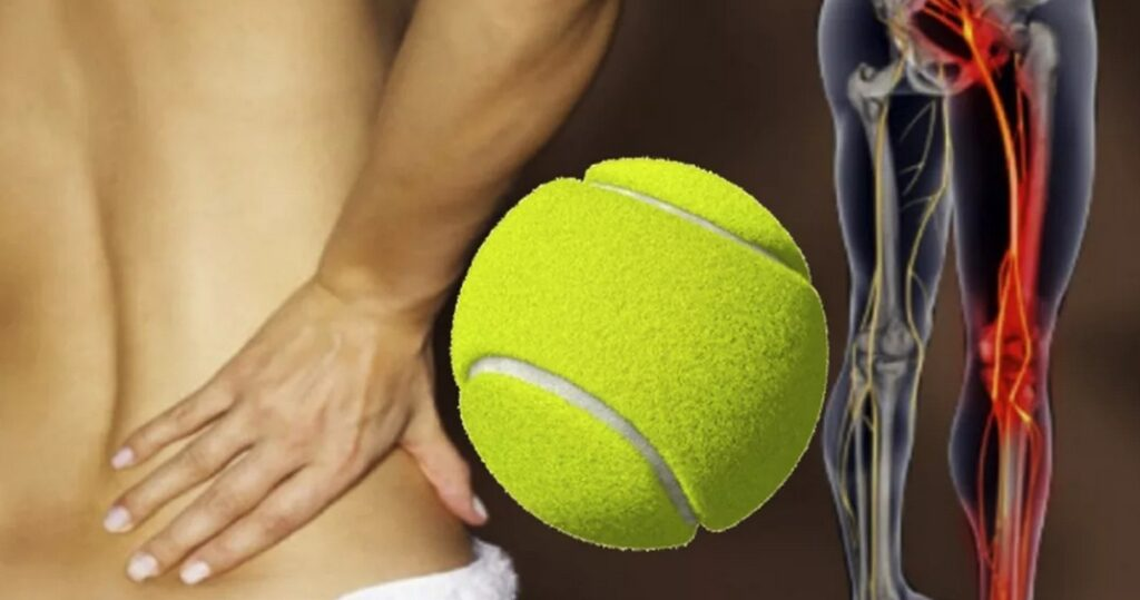 Спорт при остеохондрозе начните с упражнений для спины с использованием теннисного мяча.